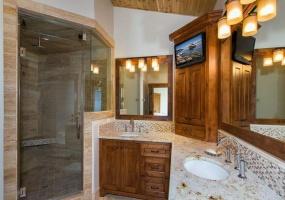 1265 Tamarack Drive,South Lake Tahoe,Nevada,United States 96150,5 Rooms Rooms,5 BathroomsBathrooms,House,Tamarack Drive,1011