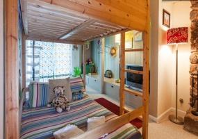 2232 Morro Drive,South Lake Tahoe,Nevada,United States 96150,6 Rooms Rooms,4 BathroomsBathrooms,House,Morro Drive,1012