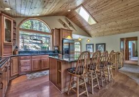 2221 Columbine Trail,South Lake Tahoe,Nevada,United States 96150,4 Rooms Rooms,3 BathroomsBathrooms,House,Columbine Trail,1008